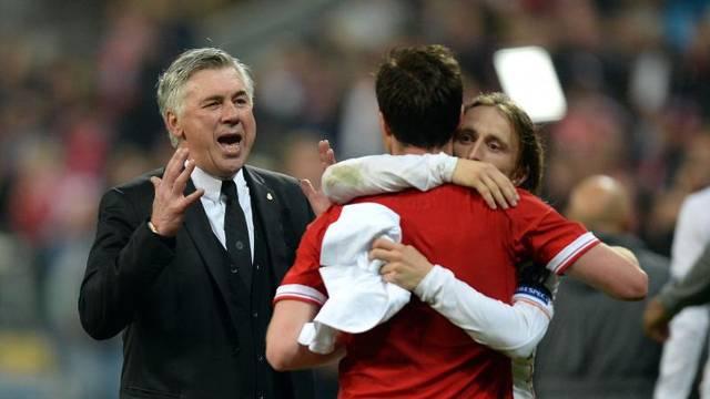 Soccer - UEFA Champions League - Bayern Munich v Real Madrid - Allianz Arena