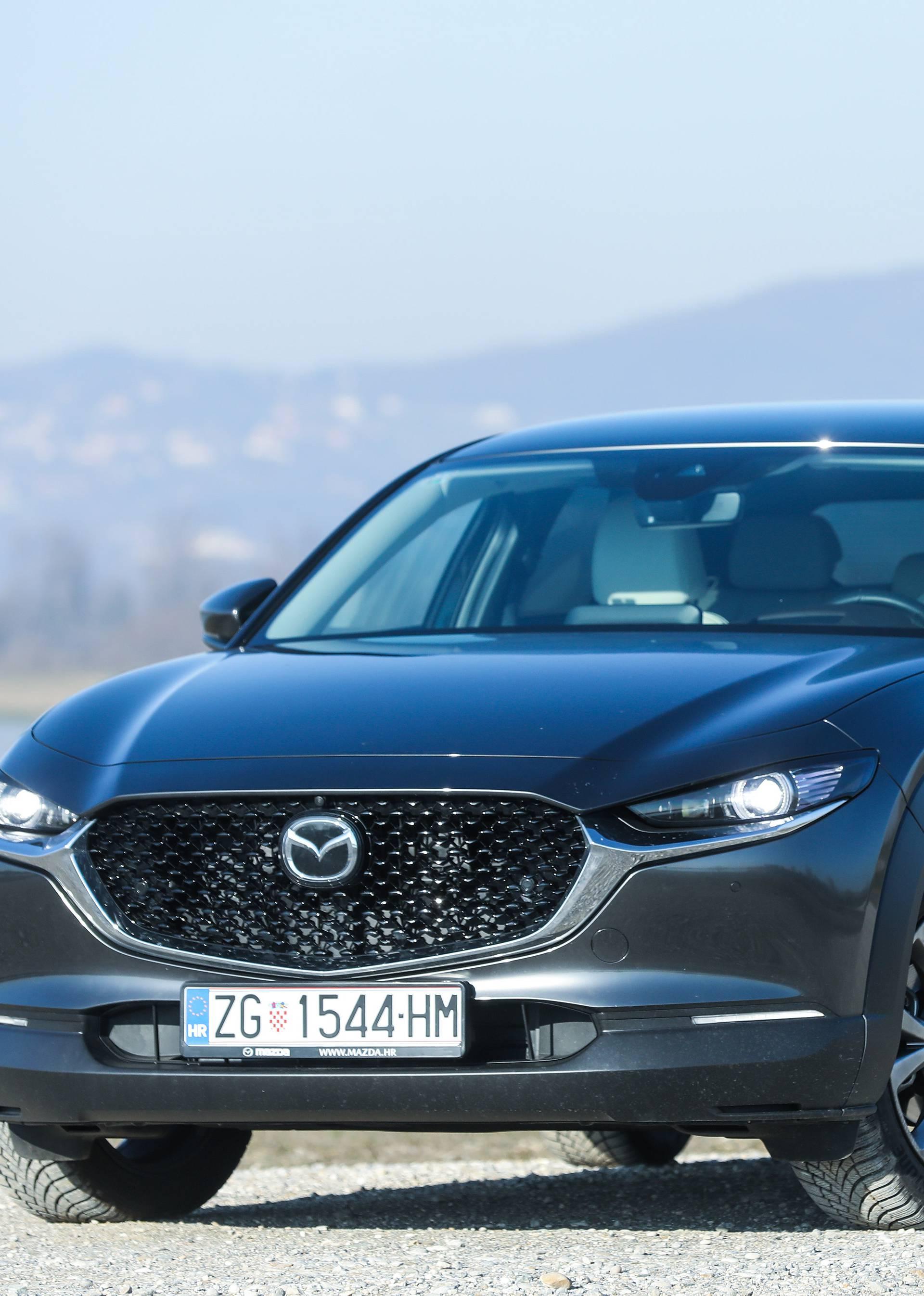 Mazda CX-30 Skyactiv X je benzinac koji troši kao dizelaš