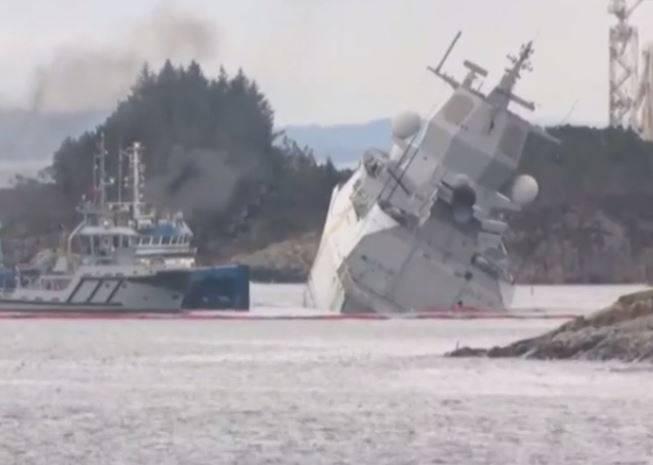 Fijasko vježba: Tanker udario u vojni brod i umalo ga je potopio