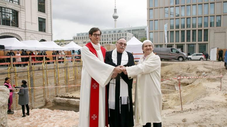 U Berlinu počela gradnja zgrade u kojoj će biti džamija, sinagoga i crkva: To je mjesto tolerancije