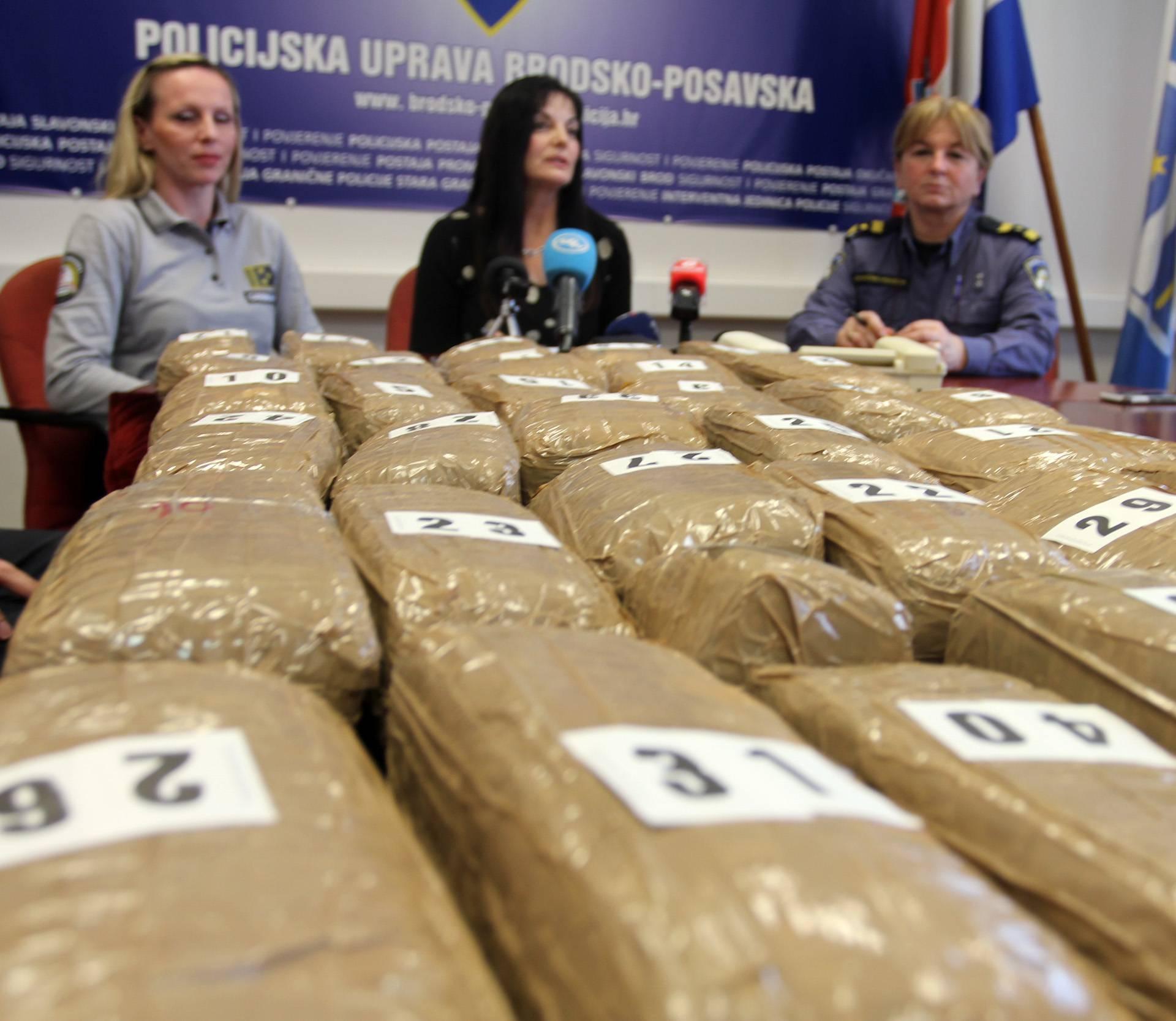 Crnogorac u Hrvatsku pokušao prošvercati 22,6 kg marihuane