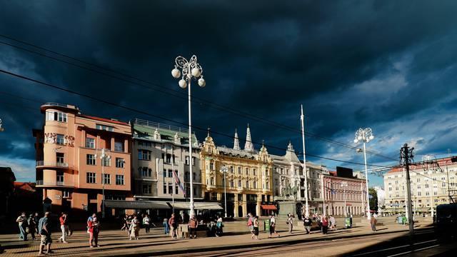 Tamni oblaci nadvili su se nad Zagreb i stvorili poseban ugođaj
