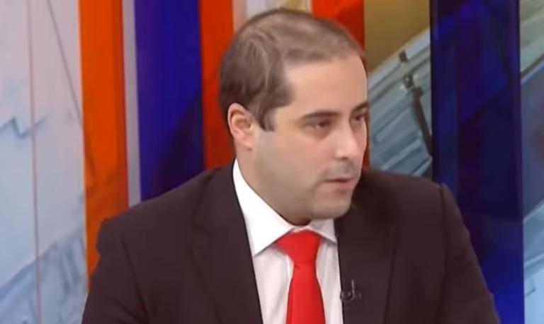 Srpski desničar: Da se do iduće godine vratite u vjeru predaka