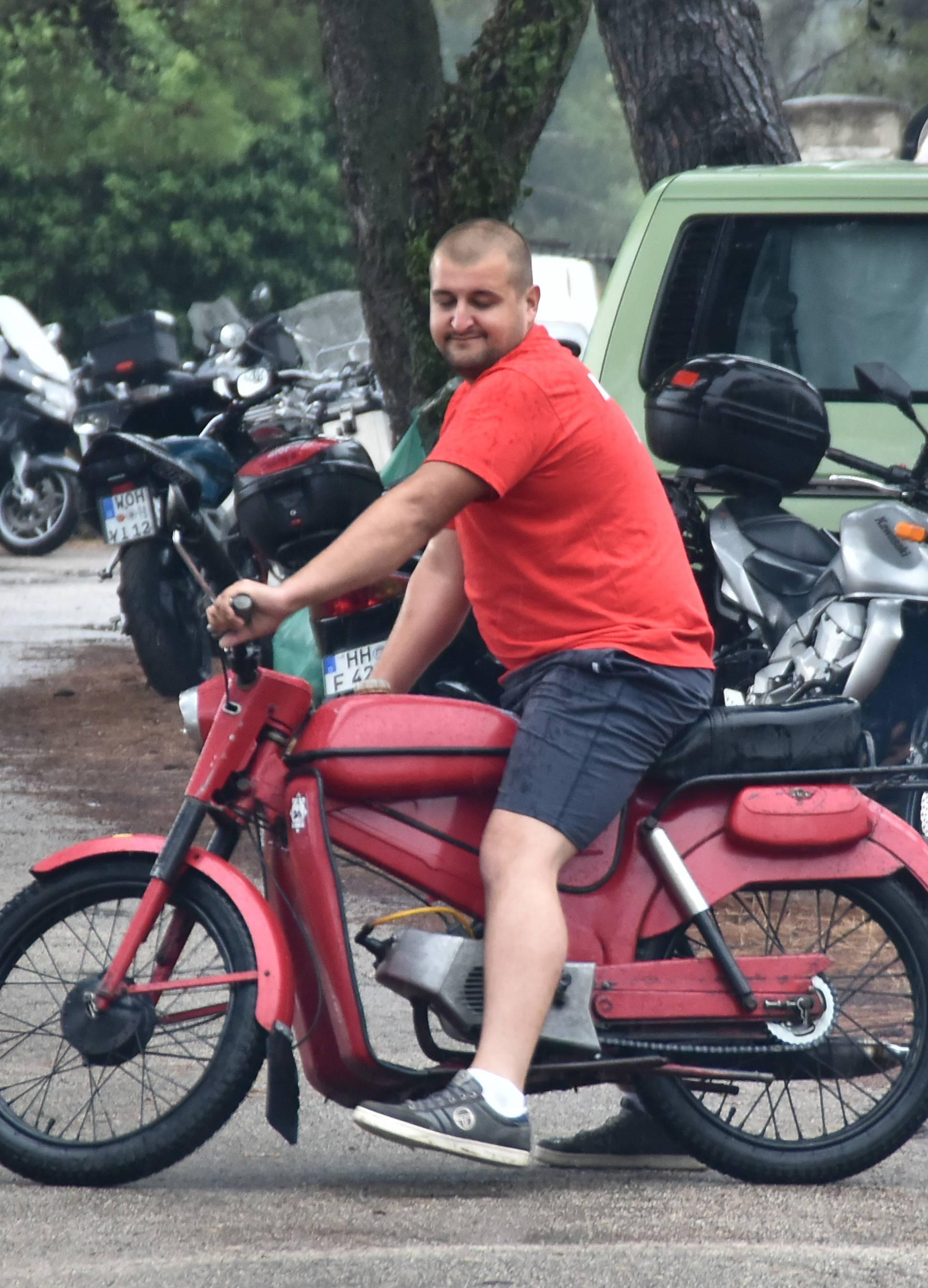'Ovaj crveni Tomos iz 1970. juri čak 50 kilometara na sat...'