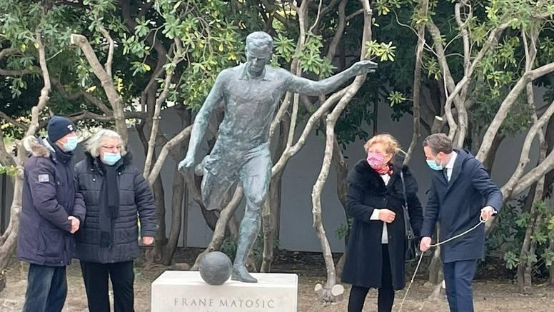 Uz Vukasa i Frane Matošić dobio spomenik na uzlazu u Poljud