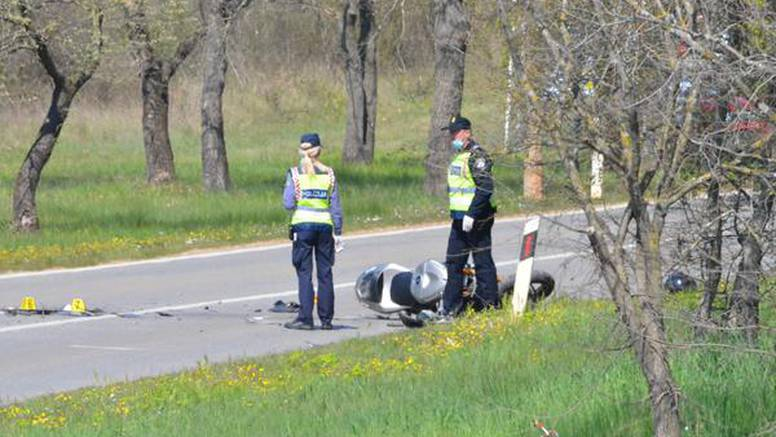 Teško ozlijeđen vozač motocikla nakon oduzimanja prednosti