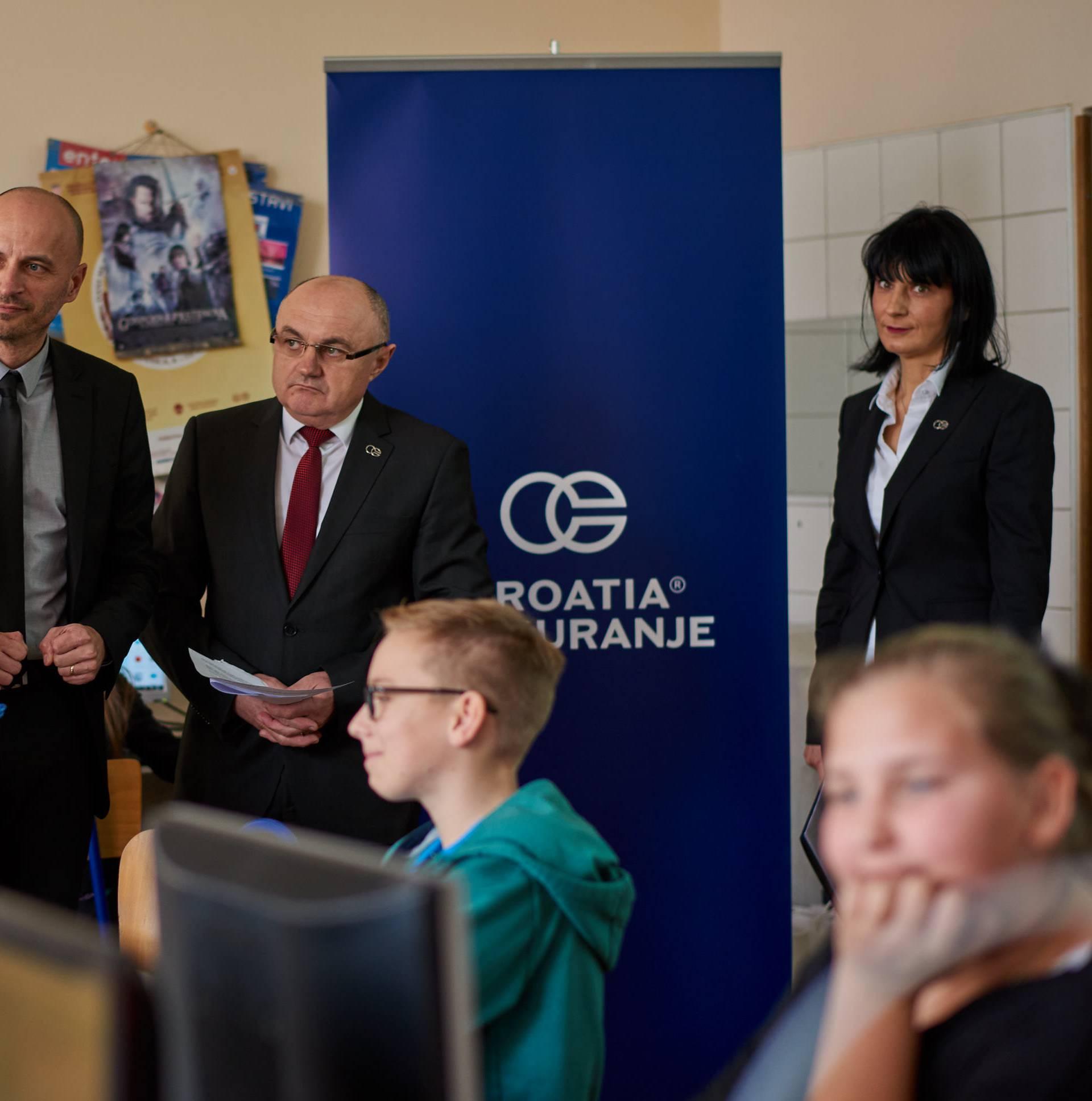 Croatia osiguranje oprema varaždinske osnovnoškolce