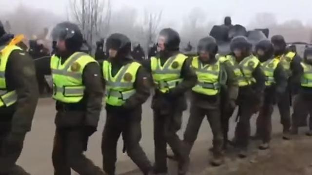 Prosvjed u Ukrajini: Kamenjem gađali svoje povratnike iz Kine