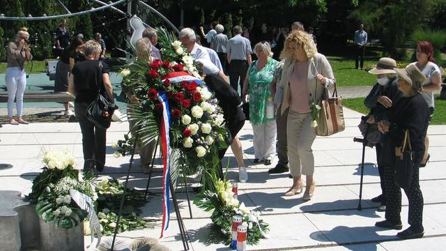 """Slavonski Brod - Susret sjećanja na djecu poginulu u Domovinskom ratu - """"Mali križ - velika žrtva"""""""