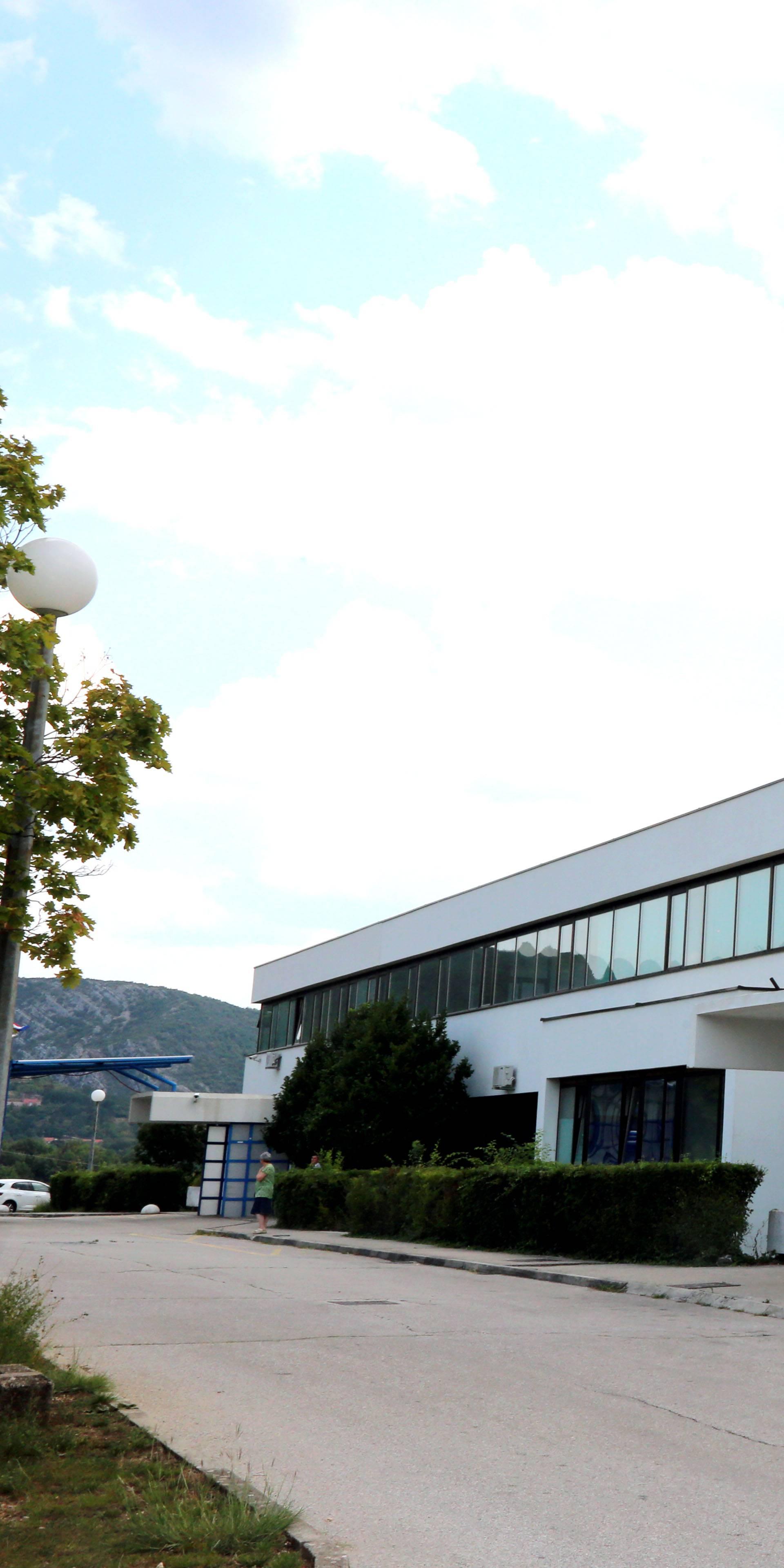 Bolnici u Kninu blokiran račun, godinama nisu plaćali lijekove