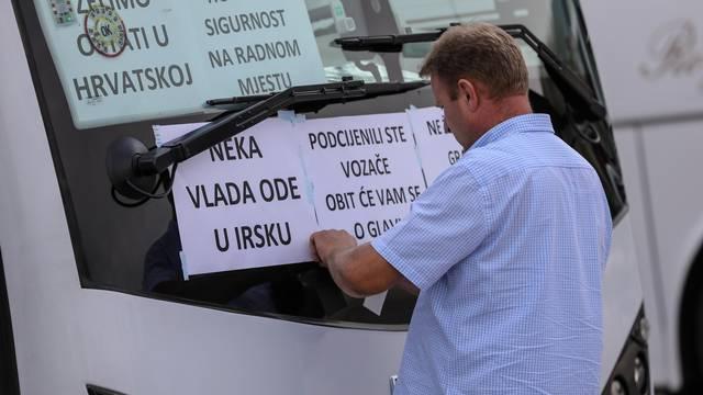 Zagreb: Prosvjedna vožnja autobusima od Velesajma do Ministarstva mora, prometa i infrastrukture