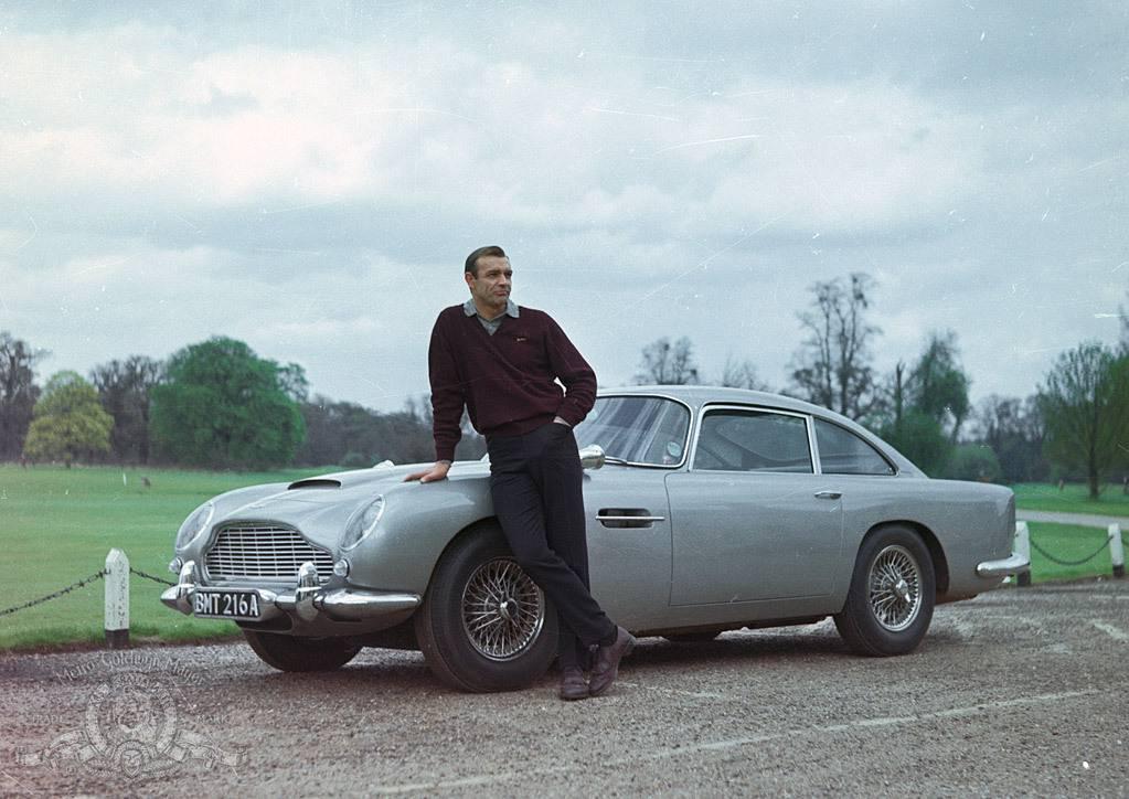 Ljubitelj ste Bonda? Na dražbu ide Aston Martin iz Goldfingera