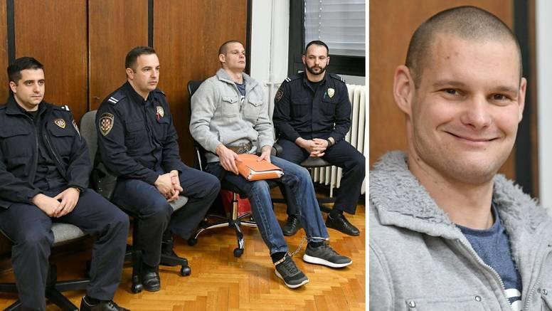 Šišaković se na suđenju stalno smijao pa su ga izbacili van