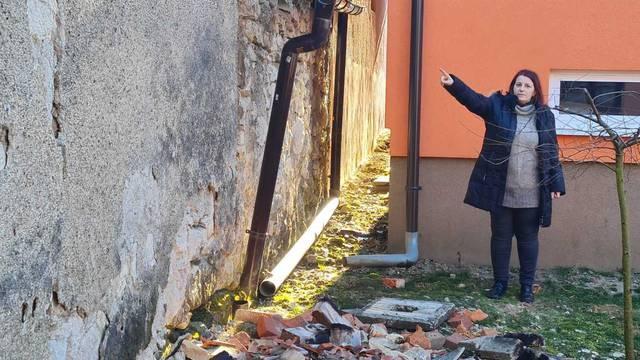 Prijeti im opasnost urušavanja susjedove kuće: Od potresa žive u strahu, ali pomoć ne stiže