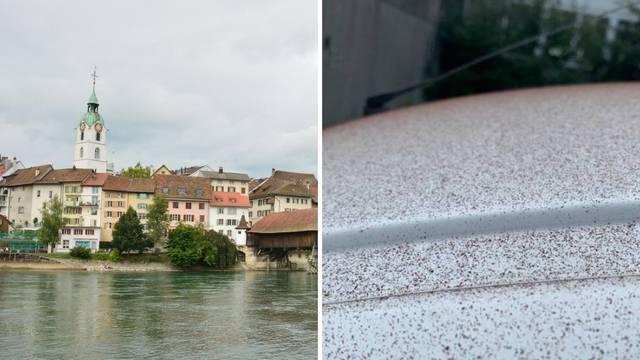 Kao u bajci: U švicarskom gradu padao je 'snijeg' od čokolade!