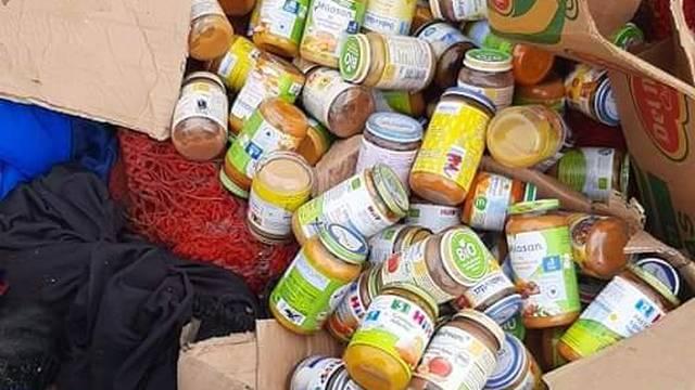 Kod Siska bacili stotine bočica dječje hrane. Nije im istekao rok