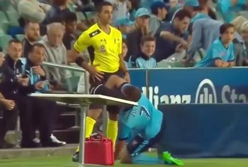 Igrač udario u stol kraj terena: 'Mogao je umrijeti na mjestu!'