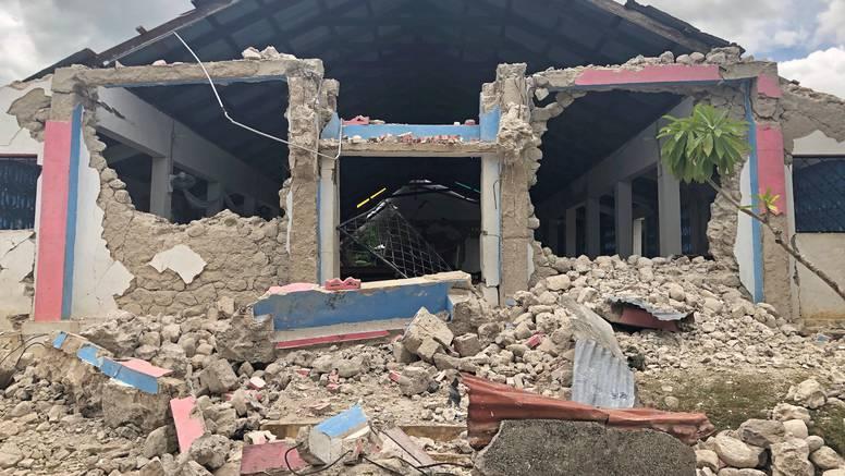 Papa donira 200.000 eura za obnovu Haitija nakon potresa