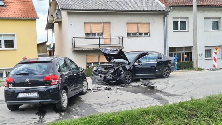 Direktan sudar dva auta: Pozlilo mu u vožnji i prešao u suprotni trak, zadobio je teške ozljede