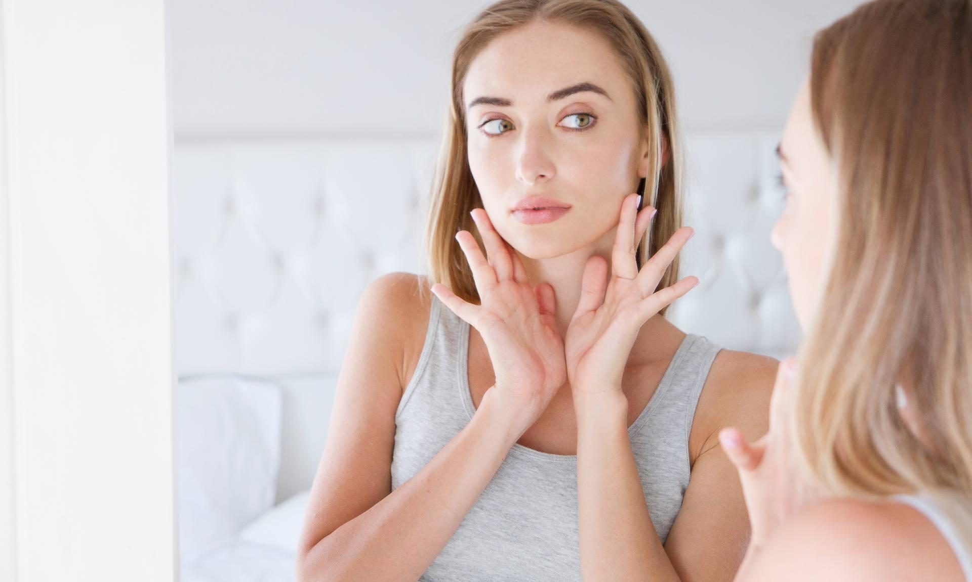 Mewing: Tehnika kojom ćete vratiti licu mladolik izgled