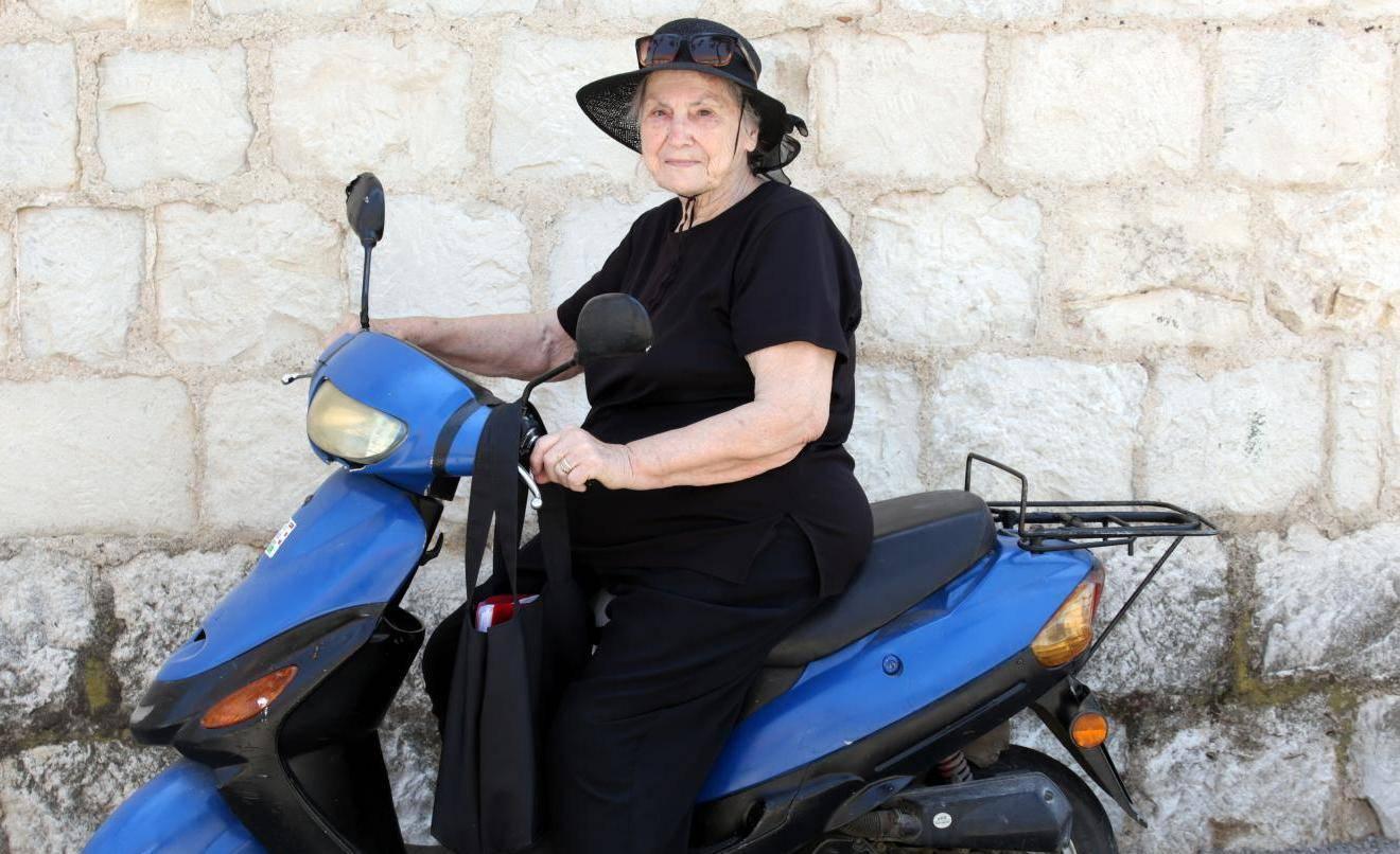Mila Grubić (79): Baš nikamo ne idem bez mopeda Bountyja