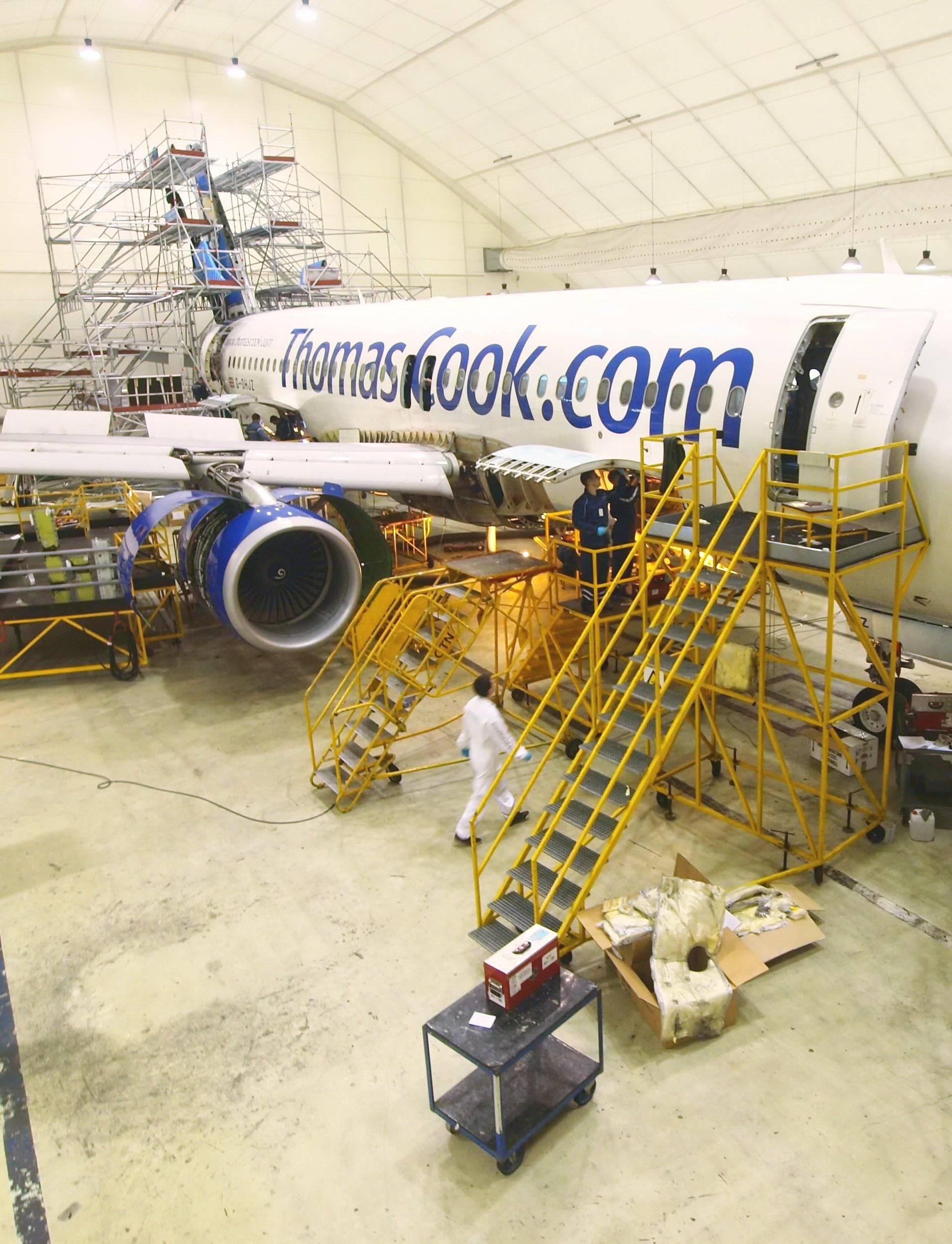 Avioni propale tvrtke Thomas Cook parkirani su u Zagrebu