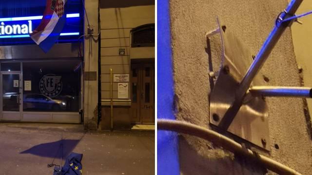 Delegacija EU osudila trganje zastave ispred veleposlanstva RH u BiH: 'Ovo je vandalizam'