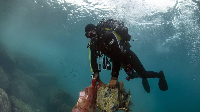S morskog dna kod Splita izvadili više od 50 kubika otpada