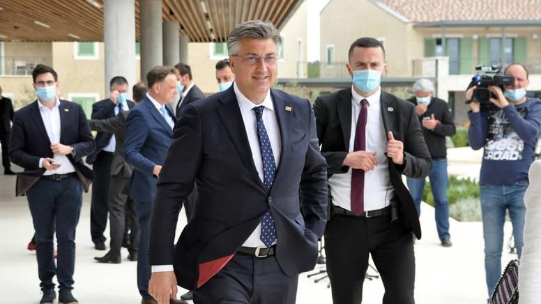Plenković: 'HDZ s optimizmom gleda na ove lokalne izbore'
