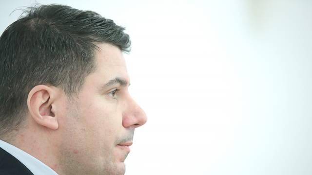Zagreb: Nikola Grmoja dao je izjavu medijima u Saboru