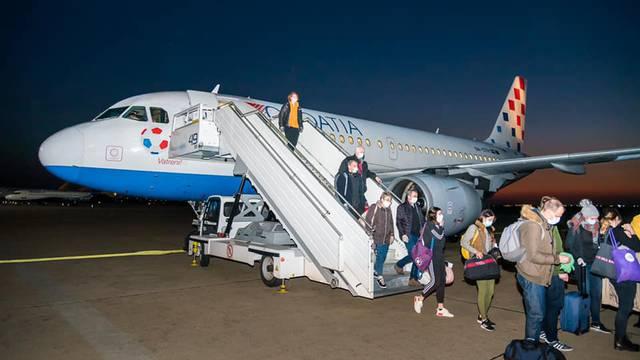 Zapeli Hrvati stigli su u zemlju avionima Croatije Airlines