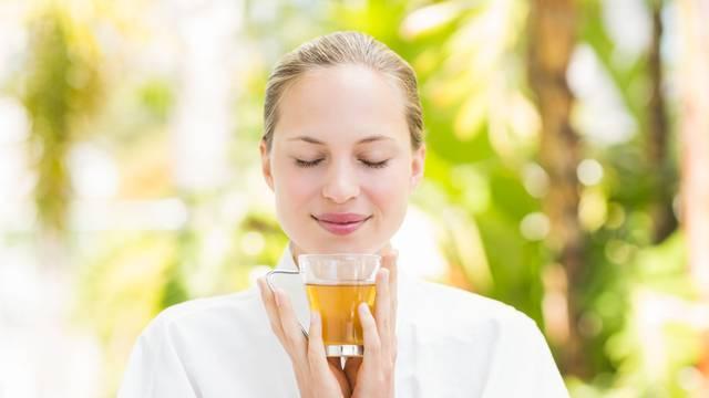 Narodni čajevi: Sljez olakšava disanje, a lipa uklanja nesanicu