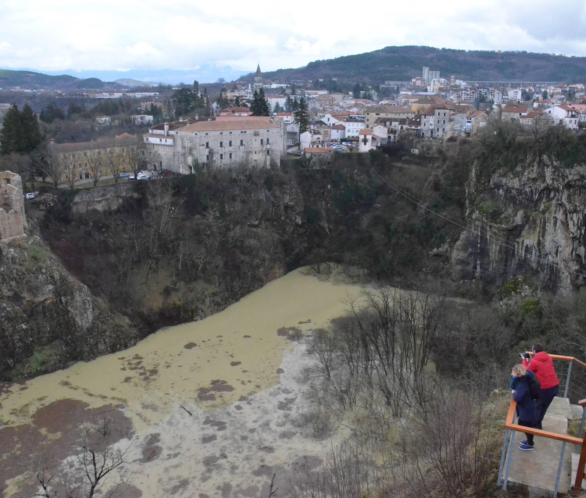 Zbog odlagališta otpada izvori pitke vode u Istri su zagađeni!