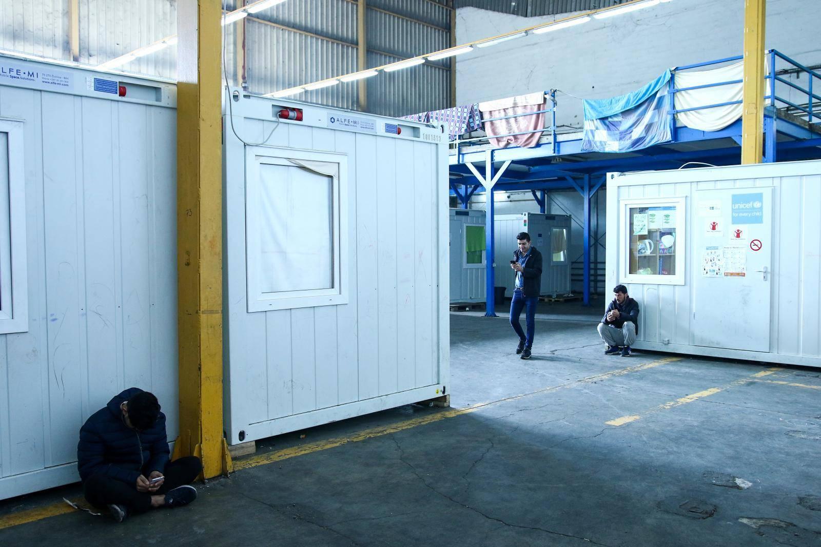 Bihać: Svakodnevni život migranata u prihvatnom centru Bira