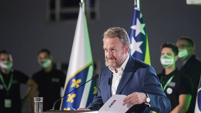 Izetbegović: Strahovito oružje je u rukama Bosne i Hercegovine