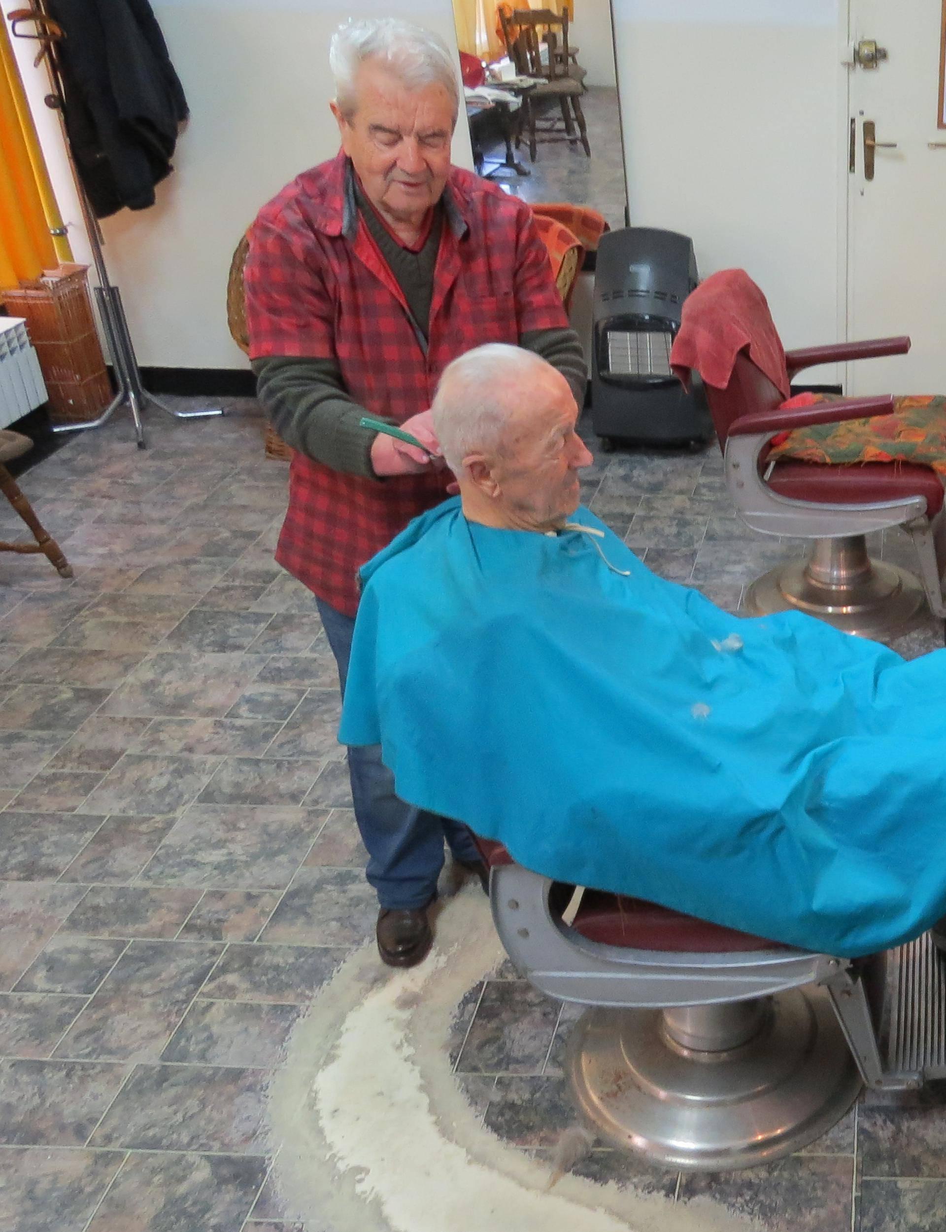 Zadnja britva na kolodvoru u Kninu: Bez rada bih se pogubio