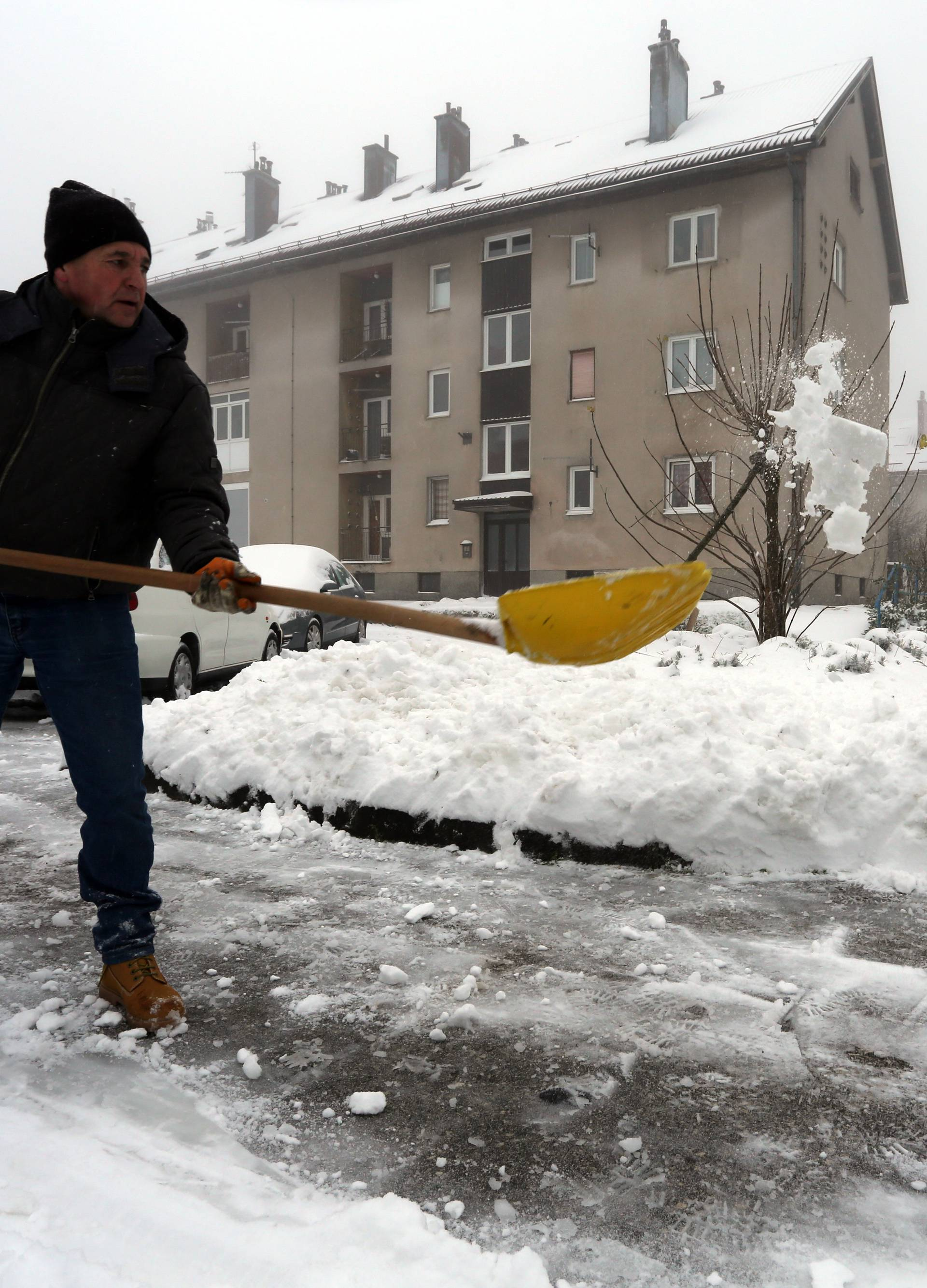 Delnice: Snijeg pao na području Gorskog kotara