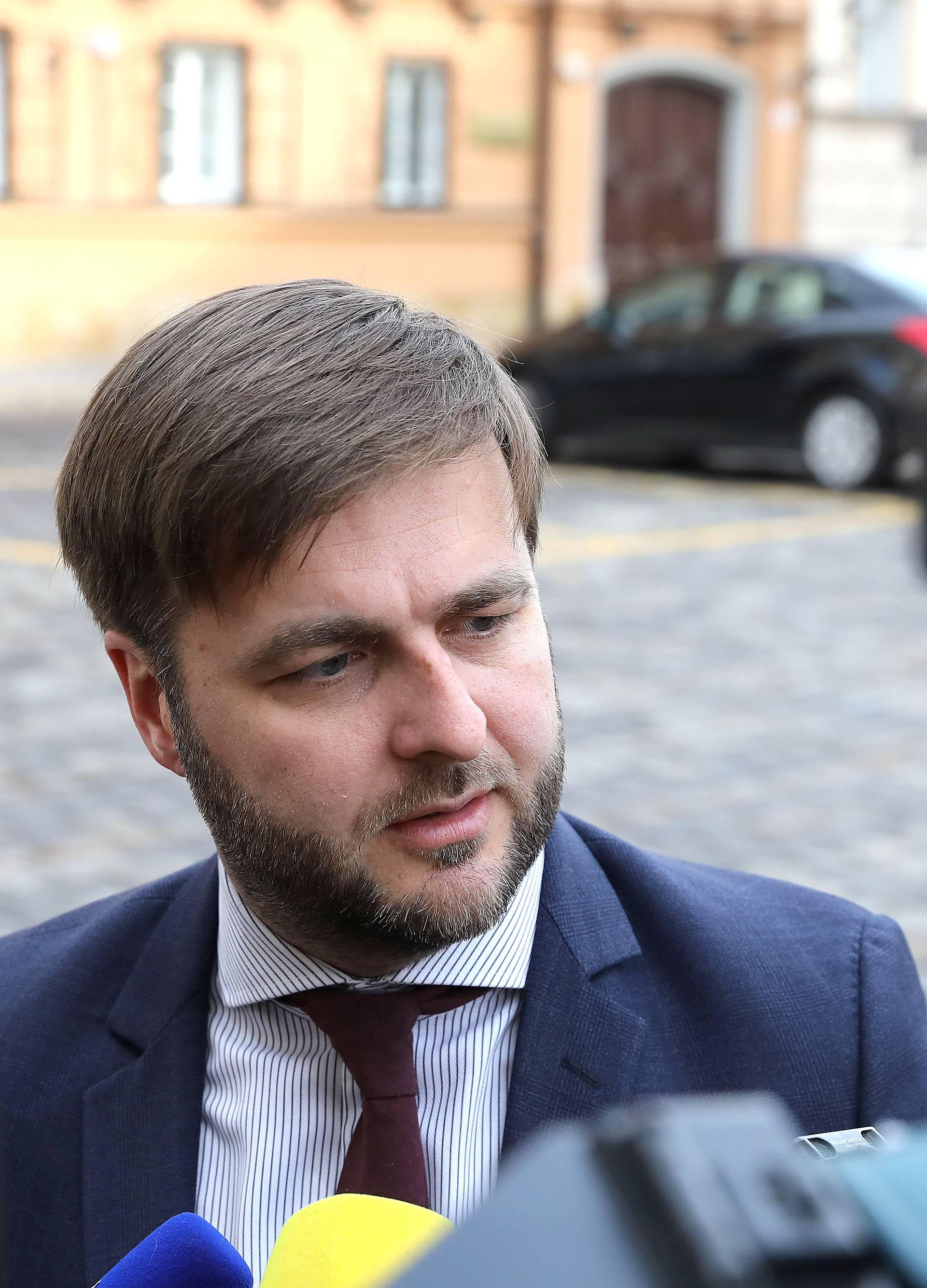 Zagreb: Ministri dolaze na sjednicu užeg kabineta Vlade RH