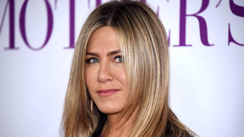 Jennifer Aniston odgovorila na prozivke: 'Moramo se brinuti i za druge, a ne samo za sebe...'