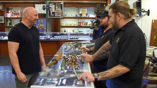 Šef UFC-a Dana White spiskao je 69 tisuća dolara na mačeve