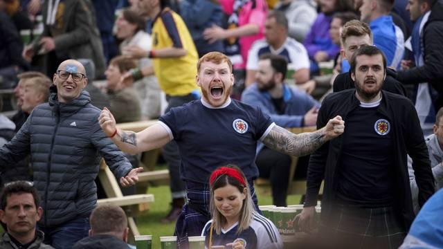 Scotland Fans Watching Euro 2020