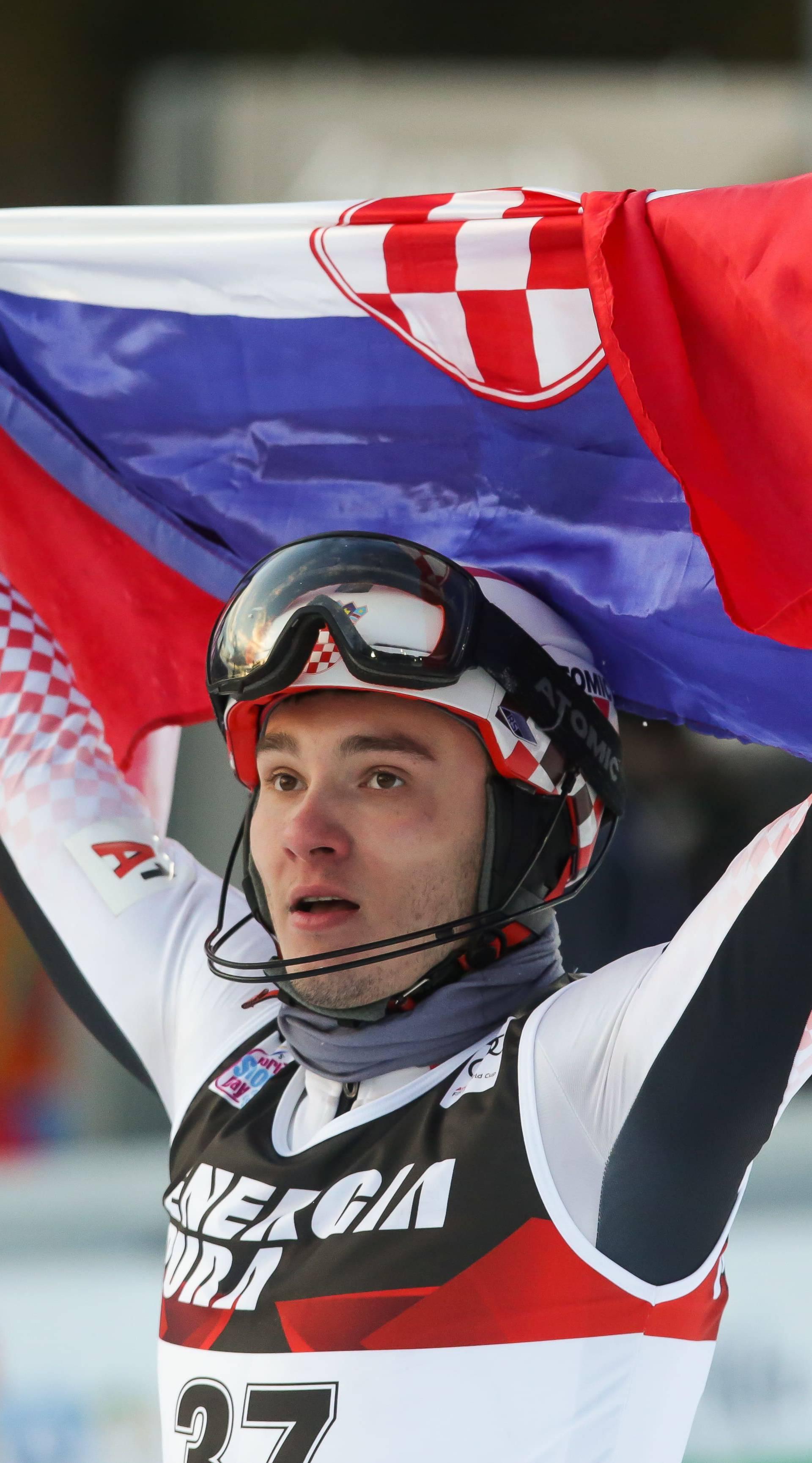 Dvije skijašice i šest skijaša iz Hrvatske na Snježnoj kraljici