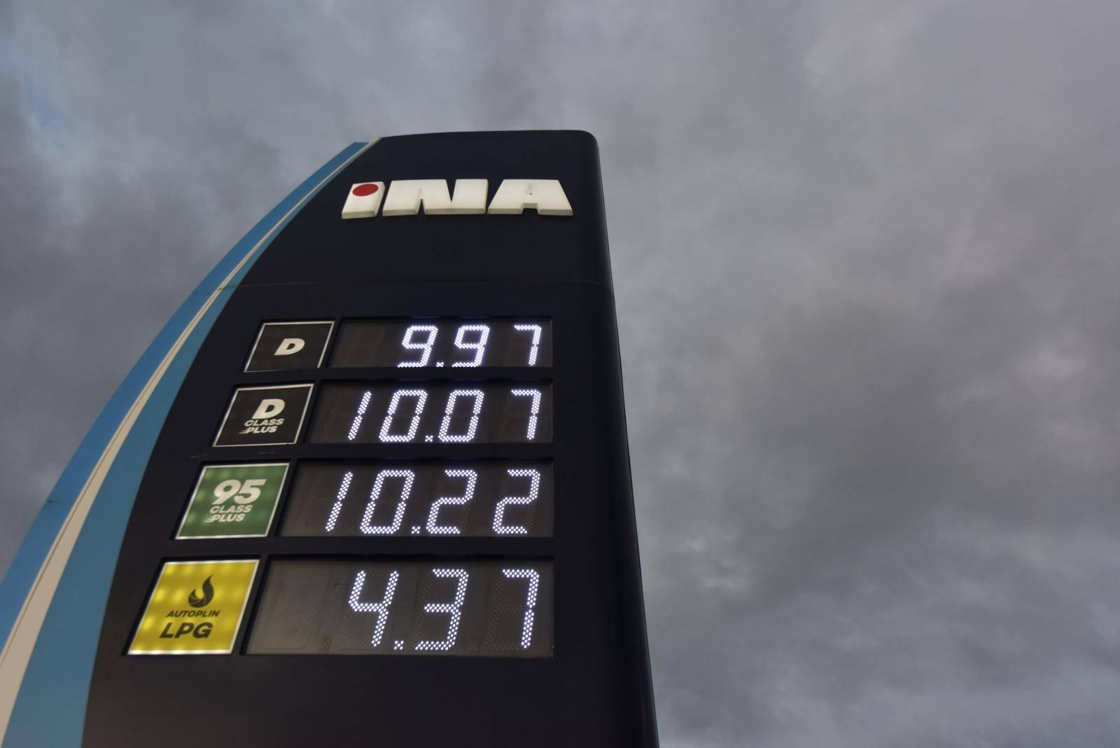 Od ponoći skuplje cijene eurodizela i eurosupera na svim benzinskim postajama