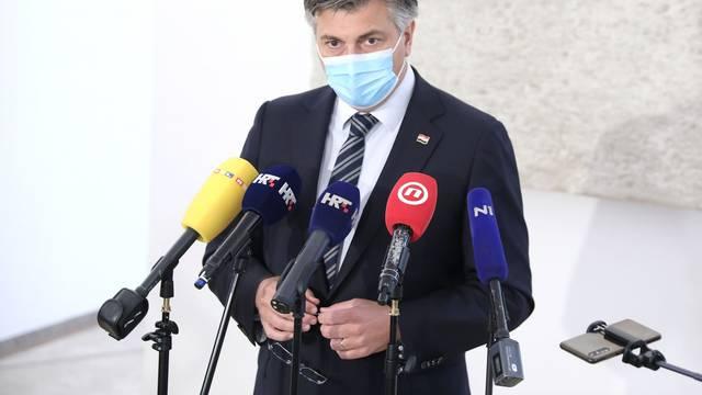 Zagreb: Plenković nakon sjednice kluba zastupnika HDZ-a komenitrao aktualne događaje