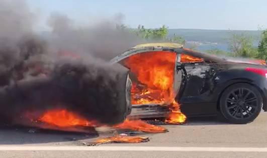 'Stigli smo za 3 minute no auto je izgorio na brzinu, kao papir'