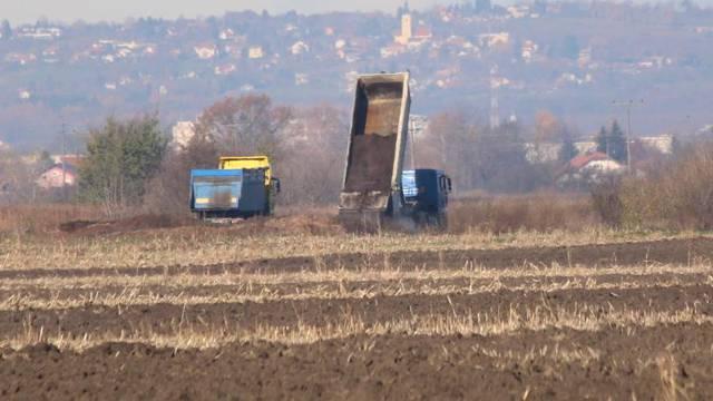 'Kanalizacijski mulj je opasan, suludo ga je prosipati u polje'