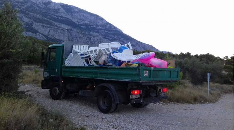 Makarska protiv rezervacija na plaži: Kamion je pun 'rekvizita'