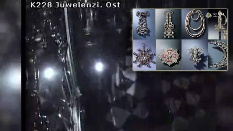Pljačka stoljeća: Uzeli kraljičin nakit, bisere, dijamantni mač...