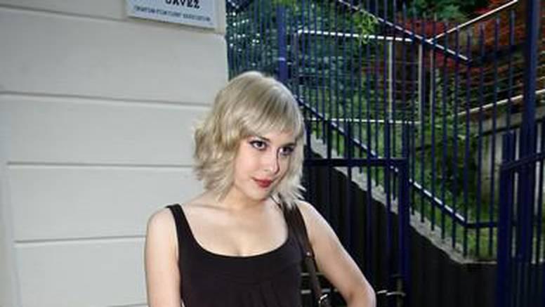 Ivana Ergić se na castingu pojavila s novom frizurom
