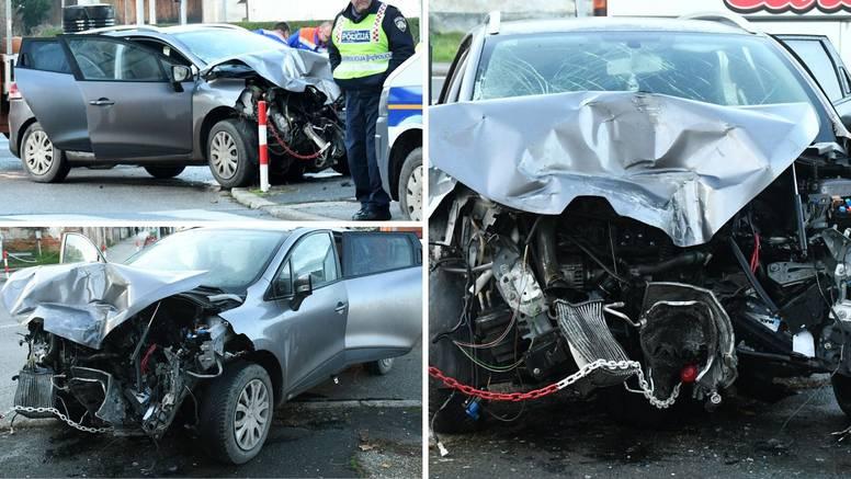 Automobil se zabio u autobus i stup: Dvoje ljudi je  ozlijeđeno